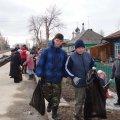 Гимназисты на весенних каникулах убирали улицы города Бердска